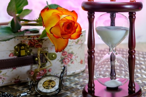 hourglass-3197635_640